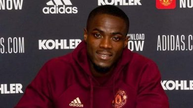 Photo of Eric Bailly Pens Down a New Contract at United up to 2024.